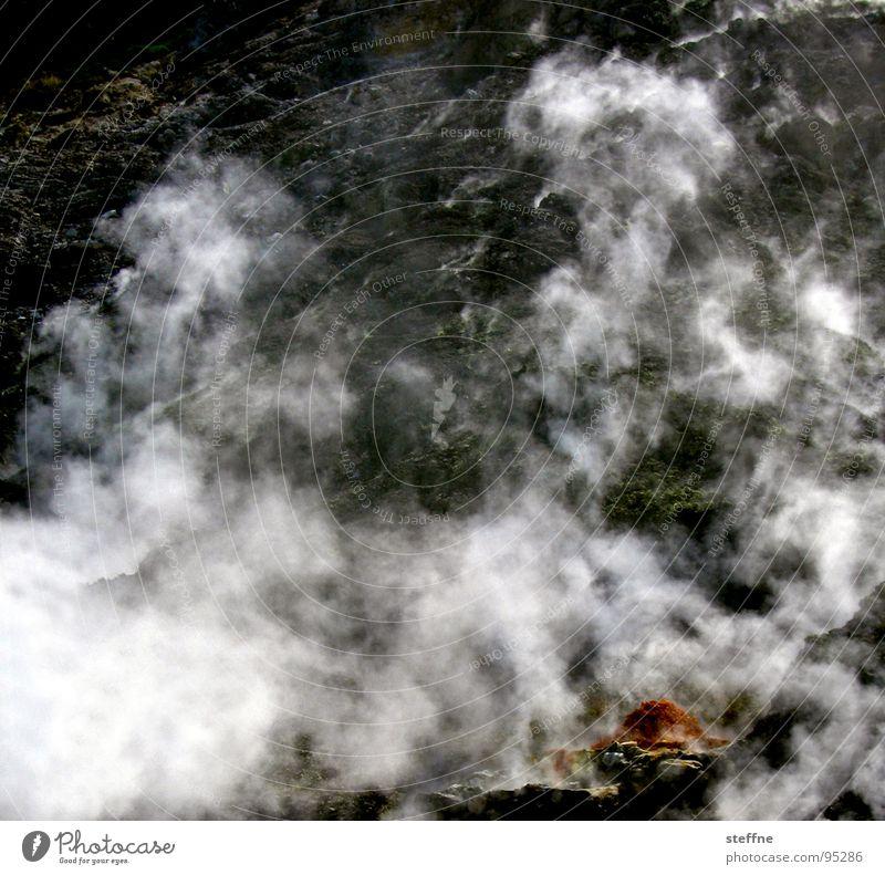 Vulkandampf Italien Neapel Schwefel Rauch Feuer Brand Wasserdampf Pozzuoli Stein Landschaft