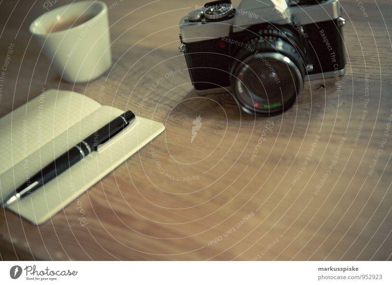 neourban hipster office 3.0 Getränk Heißgetränk Kaffee Tasse Lifestyle elegant Stil Design Berufsausbildung Fotografie analog Fotokamera retro altehrwürdig