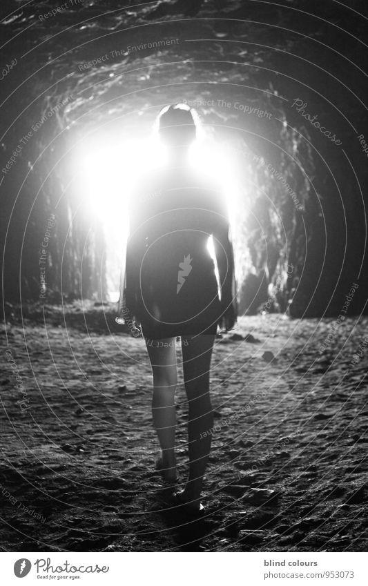 alvéole Mensch Frau Himmel (Jenseits) Tod Religion & Glaube Kunst Felsen Hoffnung Todesangst Paradies Surrealismus gefangen Aussehen unheimlich Erscheinung
