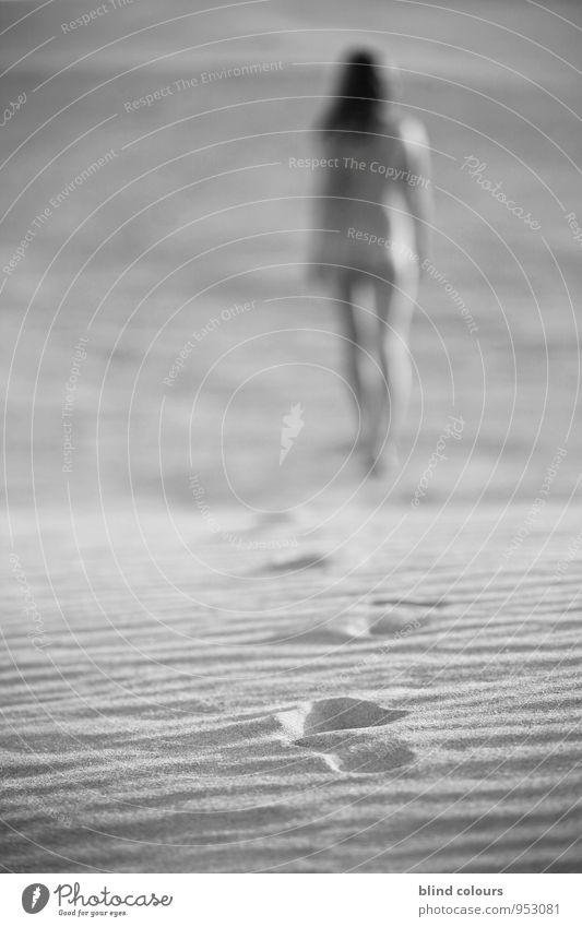dépister Frau Ferien & Urlaub & Reisen nackt Weiblicher Akt Erotik Freiheit Sand Kunst Zufriedenheit laufen ästhetisch Düne Sandstrand lässig Urlaubsfoto