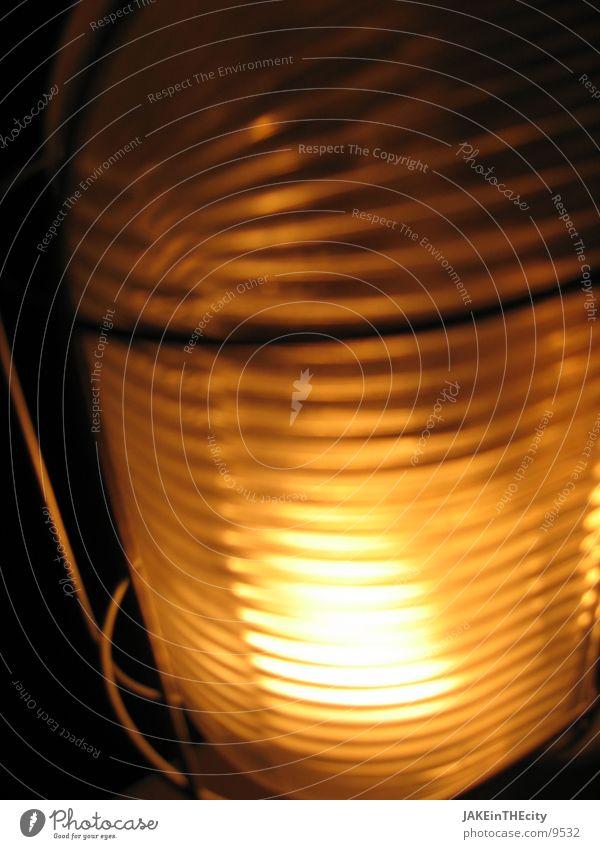 saunalicht_#3 Licht gelb Lagerlicht Glühbirne Nacht Elektrisches Gerät Technik & Technologie gold Vor dunklem Hintergrund Saunalicht Strukturen & Formen