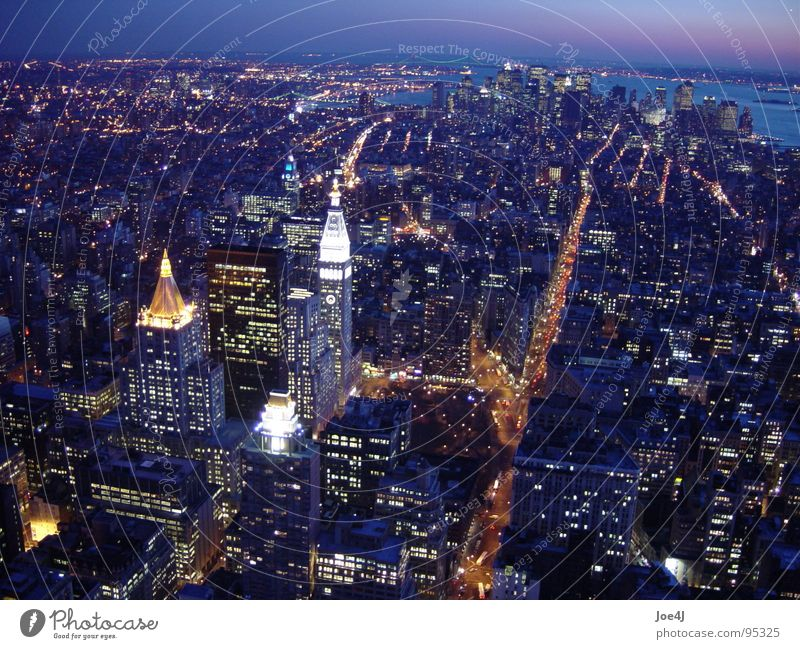 Downtown Manhattan from Empire State Building at night II Stadt USA Verkehrswege Stadtzentrum New York City Broadway