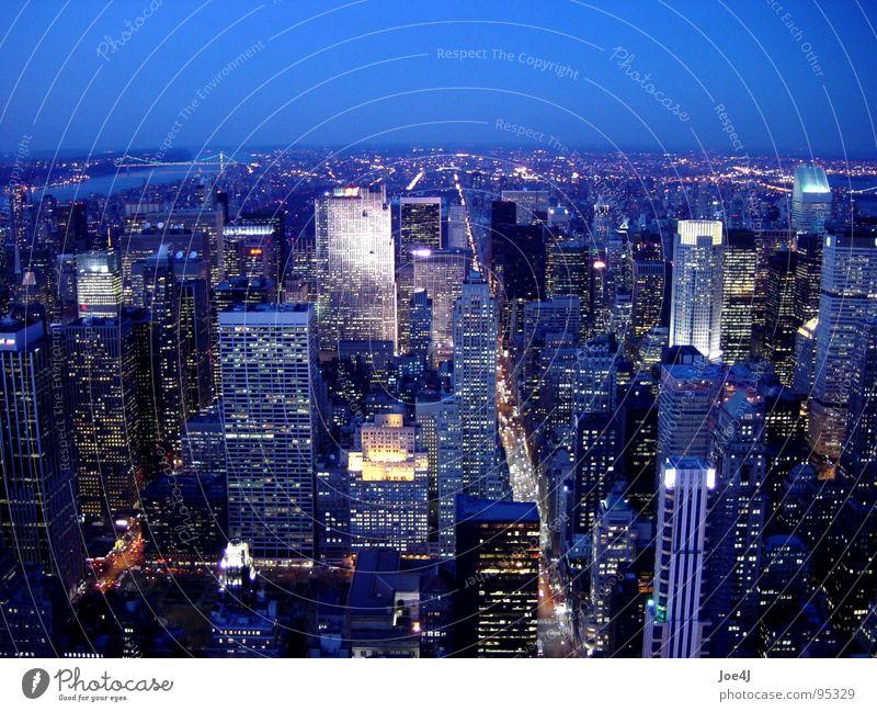 Manhattan Midtown from Empire State Building at night Stadt USA Verkehrswege New York City Manhattan 5th Avenue