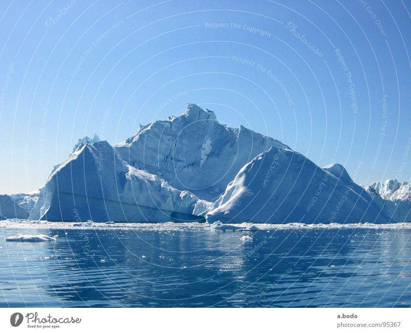 Cool Water I Grönland Ilulissat Eisberg Meer Himmel Berge u. Gebirge greenland grönland-diskobucht greenland-diskobay growler ocean Alm mountains sun sky