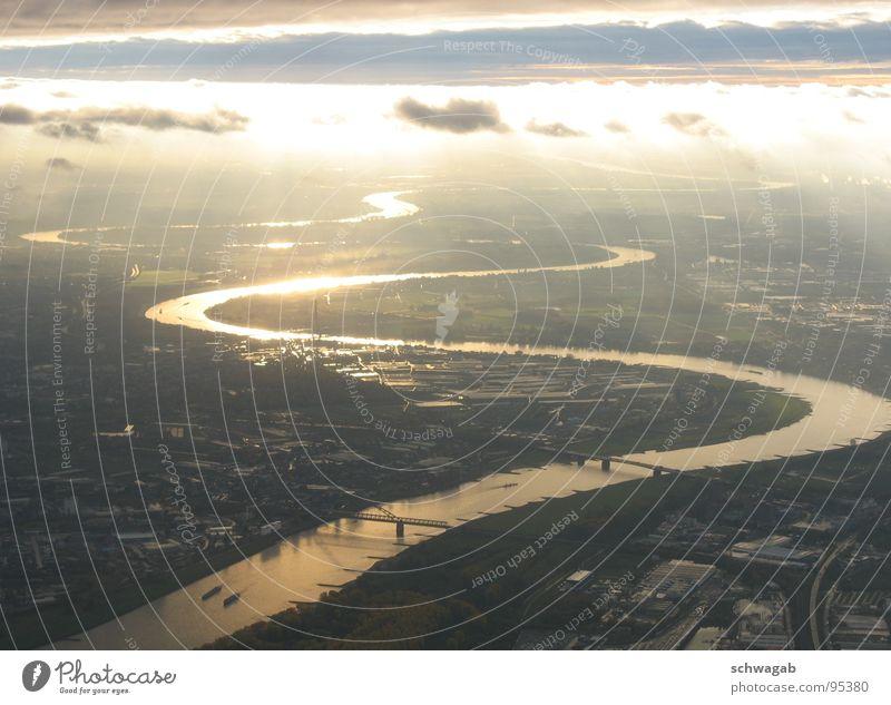 Sonnenaufgang über Düsseldorf Wasser Himmel Wolken Landschaft Wasserfahrzeug Brücke Fluss Industriefotografie Hafen November Ruhrgebiet Rhein 2006 Frachter