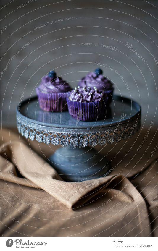 violet Kuchen Dessert Süßwaren Cupcake Ernährung Fingerfood lecker süß violett Farbfoto Innenaufnahme Studioaufnahme Menschenleer Tag Schwache Tiefenschärfe