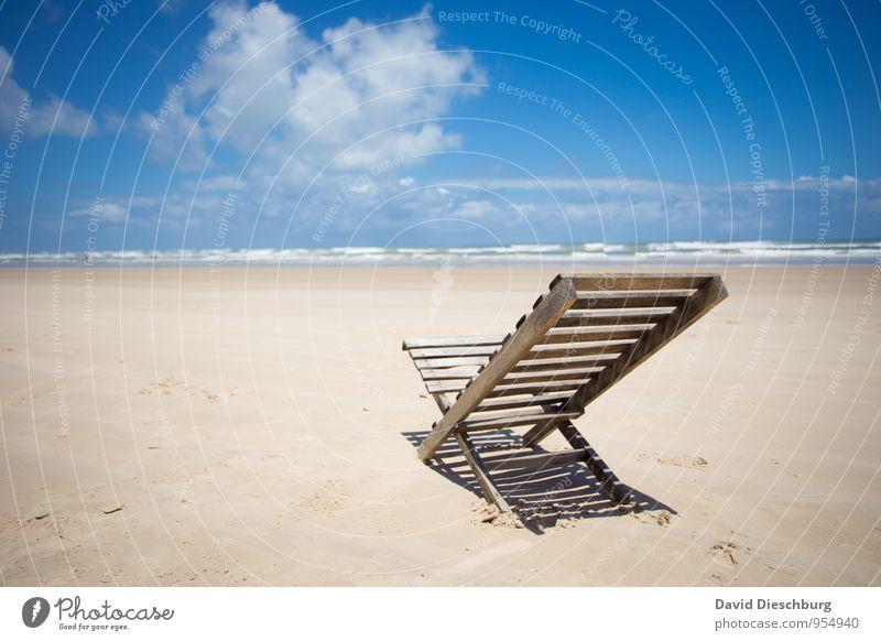 Platz an der Sonne Himmel Ferien & Urlaub & Reisen blau weiß Wasser Sommer Erholung Meer Landschaft ruhig Wolken Strand Ferne schwarz gelb Küste