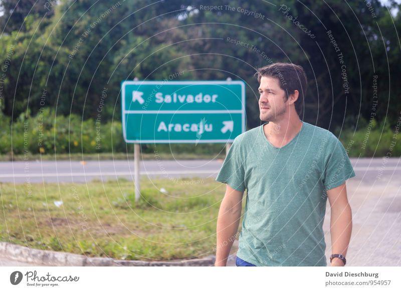 Auf dem Weg Ferien & Urlaub & Reisen Tourismus Ausflug Ferne Sightseeing Städtereise Sommerurlaub maskulin Junger Mann Jugendliche 1 Mensch Zeichen