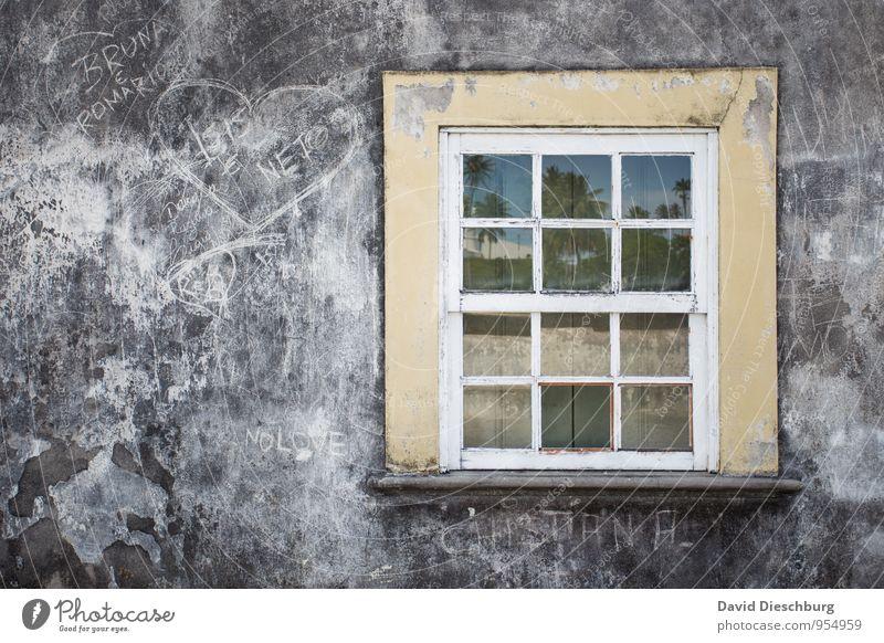 Brasil window Himmel Ferien & Urlaub & Reisen alt blau weiß schwarz Fenster gelb Wand Reisefotografie Graffiti Mauer grau Stein Fassade Glas