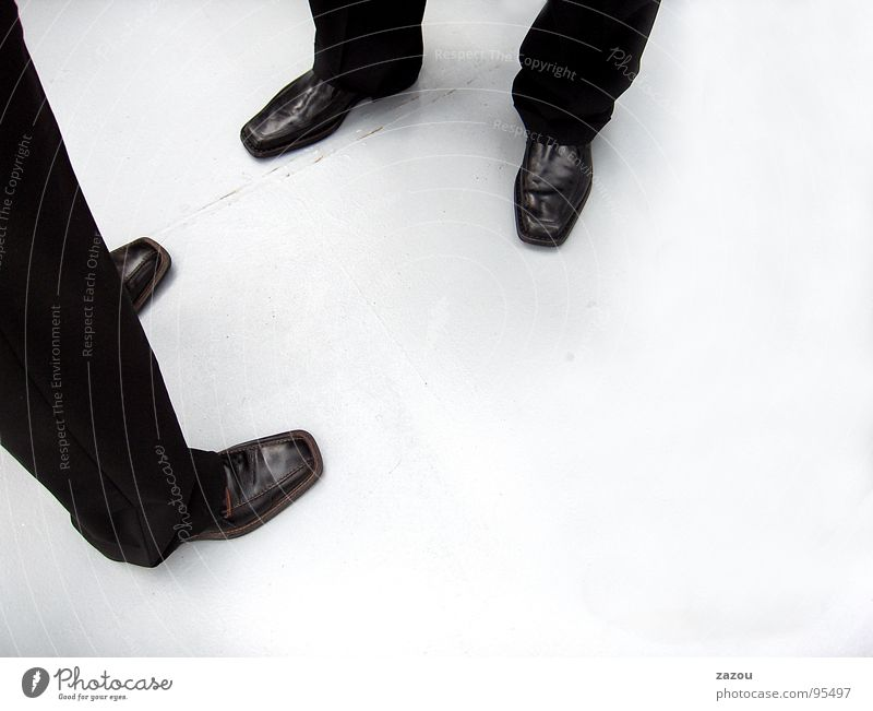 Das Gespräch Mensch Mann Erwachsene sprechen Beine Business Arbeit & Erwerbstätigkeit Schuhe maskulin mehrere Kommunizieren Sitzung Beratung Anzug Verabredung seriös