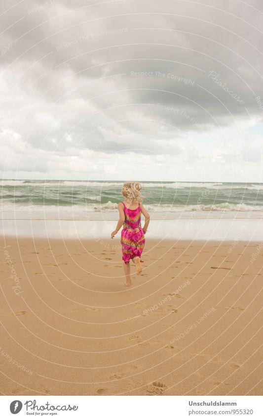 Geburtstagsgrüße vom Meer Mensch Kind Natur Ferien & Urlaub & Reisen Sommer Mädchen Freude Strand Umwelt Leben Gefühle Spielen Glück Freiheit rosa