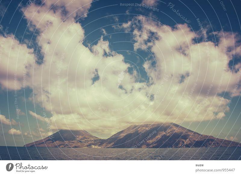 Salina Himmel Natur Ferien & Urlaub & Reisen Meer Blume Wolken Umwelt Berge u. Gebirge Reisefotografie Küste Felsen Wetter Idylle Insel fantastisch Abenteuer