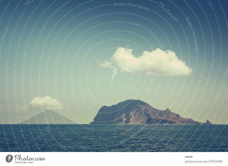 Jeder sollte eine haben ... Ferien & Urlaub & Reisen Abenteuer Berge u. Gebirge Umwelt Natur Landschaft Luft Himmel Wolken Klima Wetter Felsen Vulkan Meer Insel