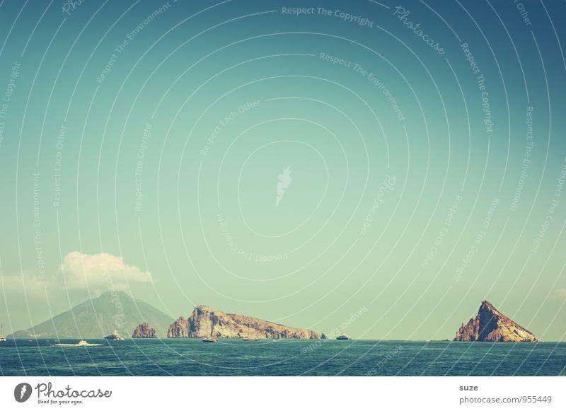 Insel Hopping Ferien & Urlaub & Reisen Abenteuer Berge u. Gebirge Umwelt Natur Landschaft Luft Himmel Wolken Klima Wetter Felsen Vulkan Meer außergewöhnlich