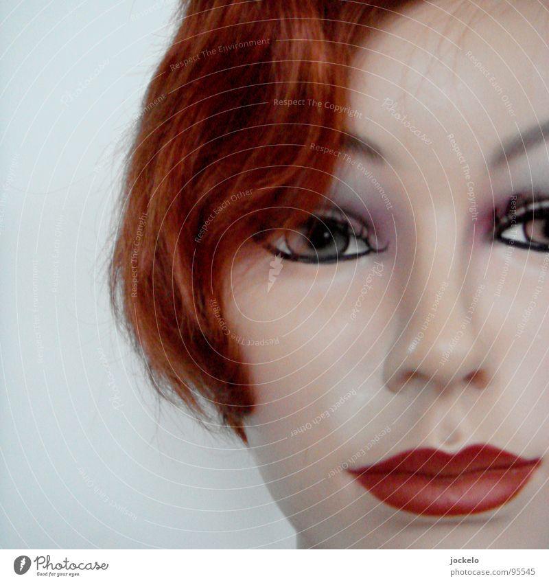 Unreal Beauty II rot Model Schminke Haare & Frisuren falsch schick Perücke Stil Scheitel Locken Haarschnitt Wohnzimmer Lippen Lippenstift geschminkt