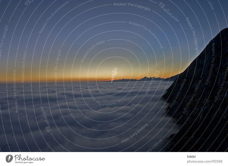 Im Nebelmeer Gipfel Einsamkeit alpin Sonnenuntergang Bergsteigen Romantik Sommer Italien Berge u. Gebirge Abend Menschenleer Landschaft