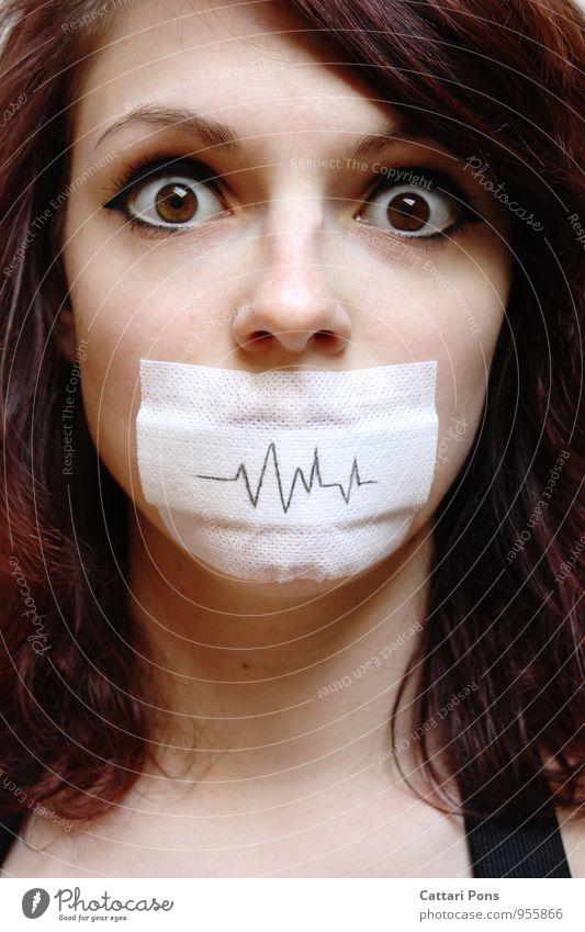 unstable speechless Mensch Frau Jugendliche Junge Frau Erwachsene Gesicht feminin sprechen verrückt einzigartig nah brünett Gewalt langhaarig Schock Regel