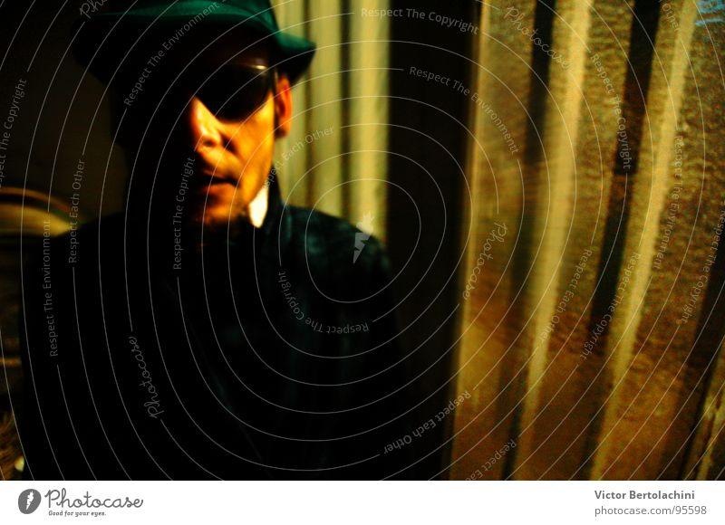 Tri tri... Mann Medien Men guy boy shadow Schatten