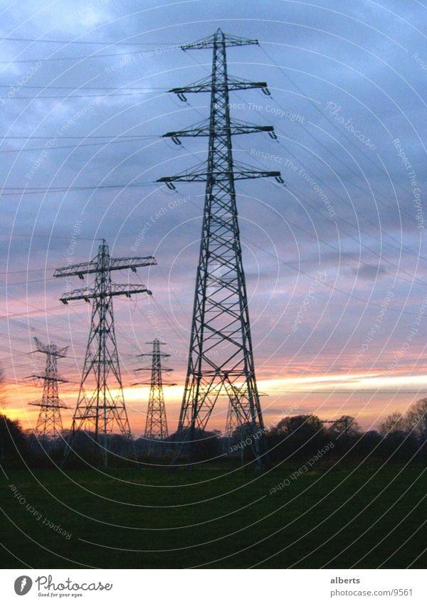 Hochspannung elektrisch Elektrisches Gerät Technik & Technologie Elektrizität Elektrizitat