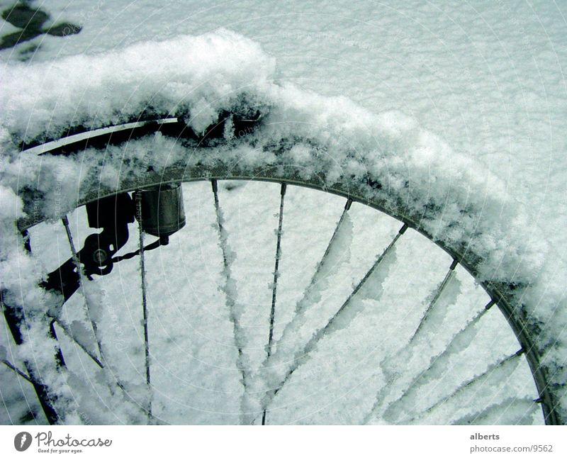 Bike In Snow Fahrrad