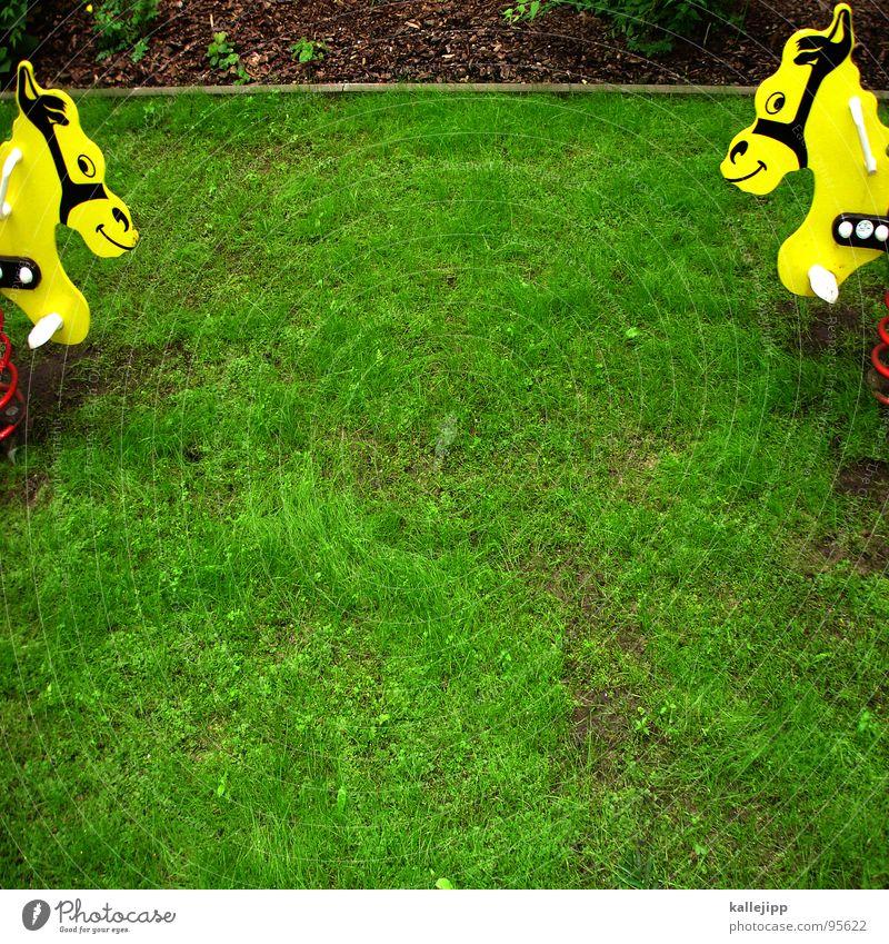 ritterspiele Spielplatz Spielen Pferd Wippe Hinterhof Platz gelb grün Metallfeder Kindergeburtstag Gegner Sportveranstaltung Verkehrswege frei Schaukel Rasen