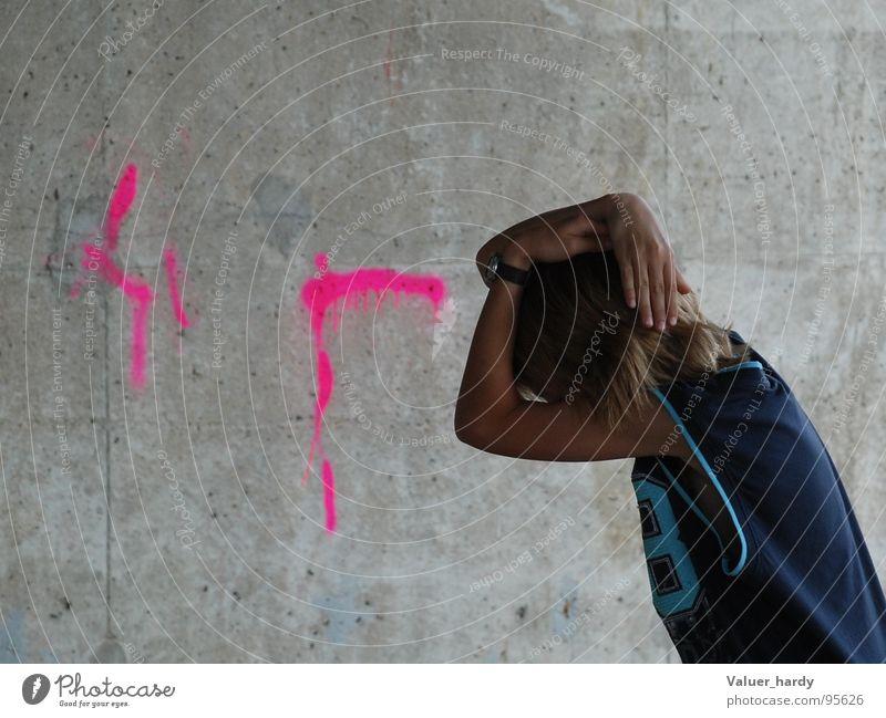 Protection Mauer gestikulieren Angst Panik Schutz Brücke Graffiti Mensch protect Zeichen Gefühle