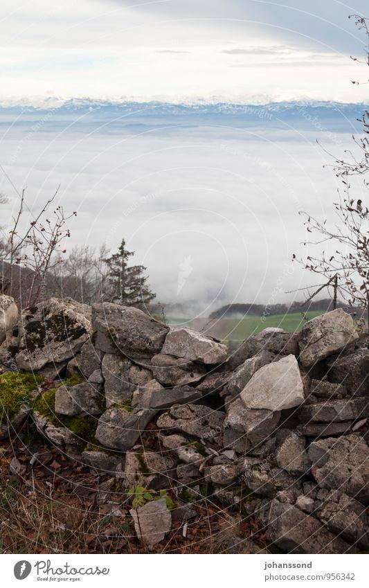 Fernsicht 2 Natur Landschaft Wolken Herbst Nebel Feld Wald Alpen Berge u. Gebirge Schneebedeckte Gipfel Mauer Steinmauer Barriere wandern eckig Ferne frei