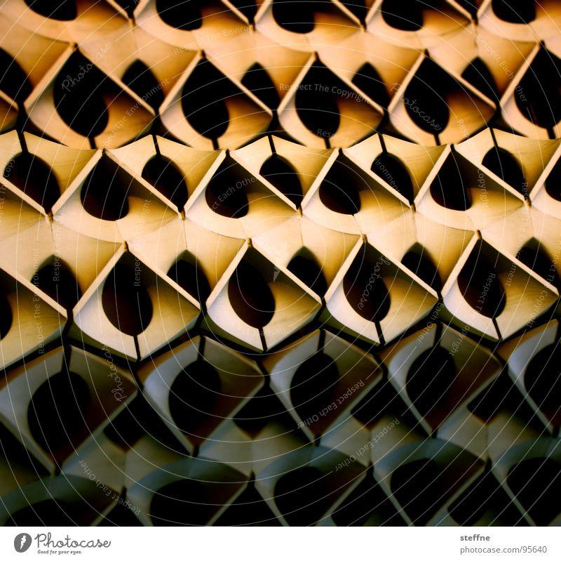 Fassade Sonne schwarz gelb Wand Geometrie Chemnitz Bienenwaben Stadthalle