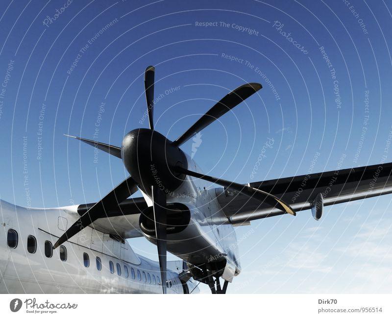 Fliegen auf die alte Art Ferien & Urlaub & Reisen blau weiß schwarz kalt Horizont Kraft Tourismus Luftverkehr Verkehr Geschwindigkeit Technik & Technologie