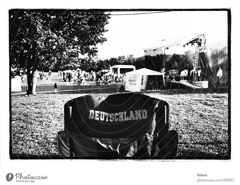 DU BIST... Sommer Freude Wiese Deutschland Stuhl Bühne Camping Zelt Musikfestival Backstage
