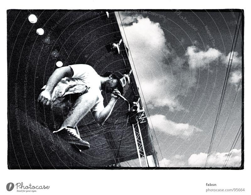 OFF STAGE Sänger Bühne Konzert schreien Hardcore Kunst Kunsthandwerk Konzentration Schwarzweißfoto shouter Musikfestival downlights Mikrofon Lautsprecher