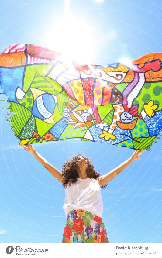 Von der Sonne zehren Mensch Frau Himmel Ferien & Urlaub & Reisen Jugendliche schön Sommer Junge Frau Erholung Meer ruhig 18-30 Jahre Strand Erwachsene feminin