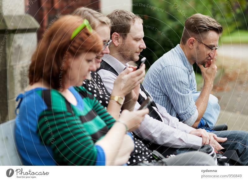 Dazwischen Mensch Frau Mann Erholung Einsamkeit Erwachsene Leben Freiheit Menschengruppe Lifestyle Freundschaft träumen Freizeit & Hobby warten Zukunft