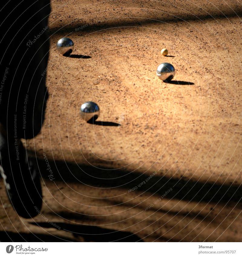 boule_02 Ferien & Urlaub & Reisen Spielen Holz Sand Freizeit & Hobby Kugel Verkehrswege silber Kies Staub Chrom Feierabend Regel Sau Boule Schwein