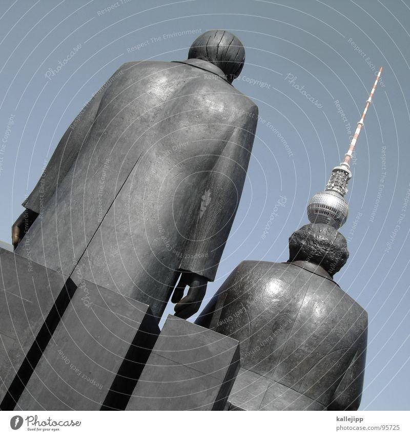 marx und... Mensch rot Berlin Haare & Frisuren Kunst Platz Hut Vergangenheit Denkmal Verkehrswege Statue DDR Russland Hauptstadt Berliner Fernsehturm