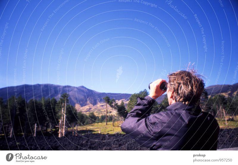 Ätna Mensch Himmel Natur Ferien & Urlaub & Reisen Jugendliche Mann Baum Landschaft Junger Mann Ferne Umwelt Erwachsene Berge u. Gebirge Kopf maskulin Tourismus