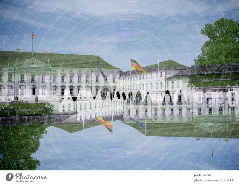 Doppelschloss Himmel Sommer Baum außergewöhnlich elegant authentisch fantastisch Macht Sicherheit historisch Kitsch Deutsche Flagge Hauptstadt Irritation