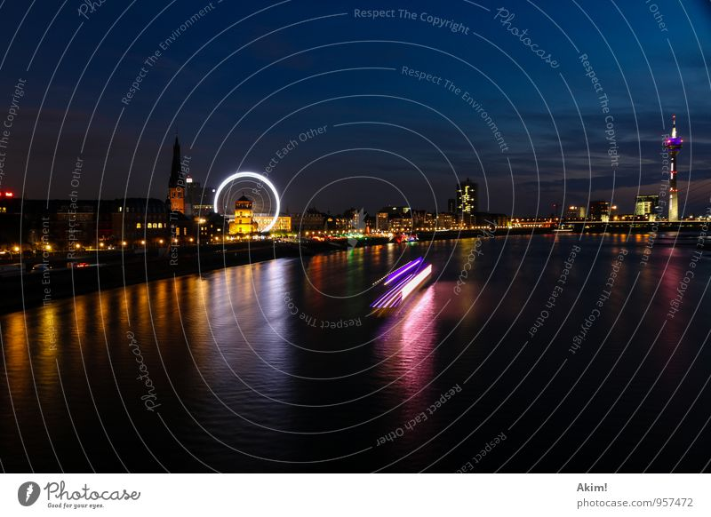 Düsseldorf by night II Ferien & Urlaub & Reisen Stadt Stadtleben Tourismus Fluss Skyline Schifffahrt Hauptstadt Wahrzeichen Sehenswürdigkeit Städtereise