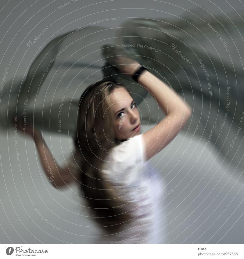 Nelly Mensch Jugendliche Junge Frau Leben Bewegung feminin Sport Kunst Kraft blond Geschwindigkeit beobachten Kommunizieren Kreativität Idee