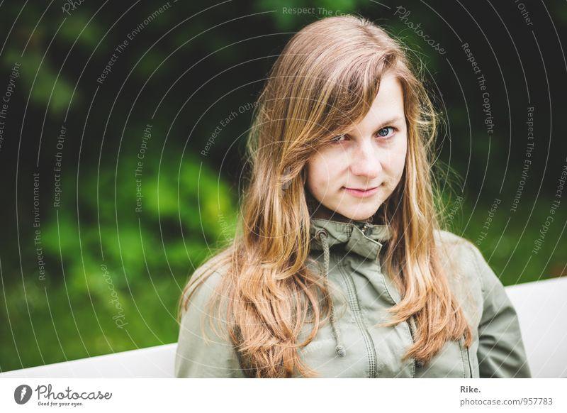 Natürlich. Mensch Kind Natur Jugendliche schön grün Junge Frau Erholung 18-30 Jahre Erwachsene Gesicht Gefühle feminin natürlich Glück Park