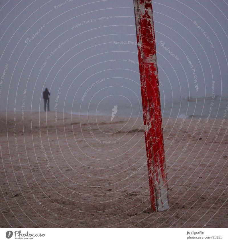 Küstennebel Mann Wasser Meer rot Strand Farbe dunkel Holz See Sand Wasserfahrzeug Wellen Nebel Schilder & Markierungen Seil