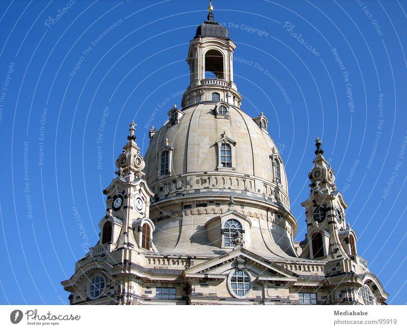 Zeitzeugin Himmel blau Stein Religion & Glaube Architektur Hoffnung Dach Dresden Denkmal Vergangenheit Bauwerk historisch Krieg Christentum Sachsen