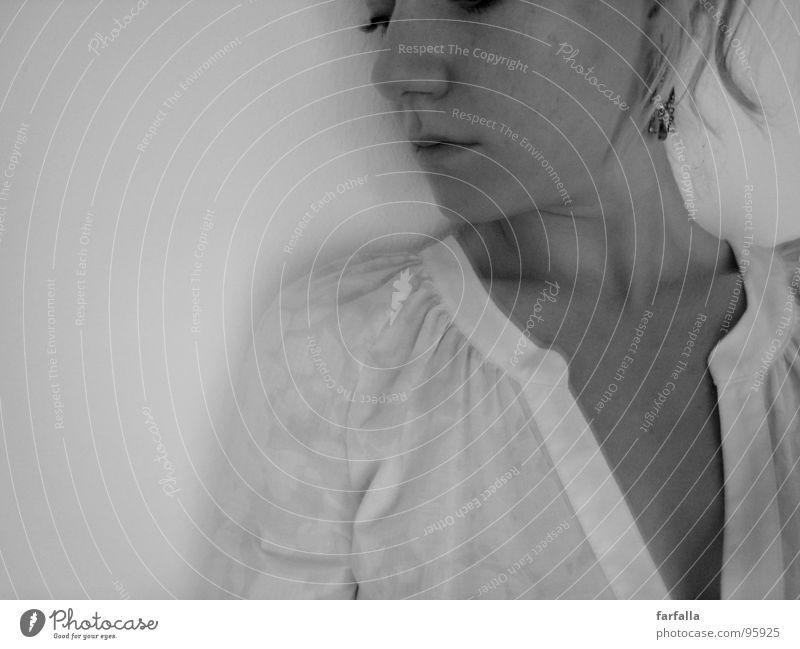 Lasst mich träumen... Frau Einsamkeit ruhig Gesicht Auge Denken Mund Nase Hals