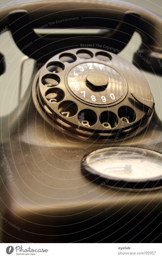 Sprechzeitterror Wählscheibe Telefon Telefonhörer wählen altmodisch Uhr Zeit Maßeinheit Ziffern & Zahlen 2 3 4 5 6 7 8 9 Kommunizieren bakelit Statue Kunststoff