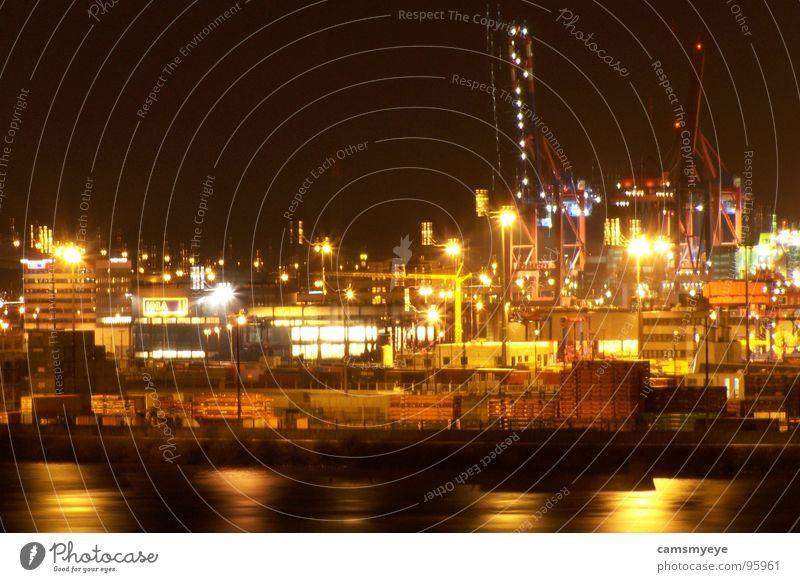 Schlaflos in Hamburg Wasser Stadt Leben dunkel Arbeit & Erwerbstätigkeit hell Beleuchtung Industrie Hafen Schifffahrt Kran Schichtarbeit