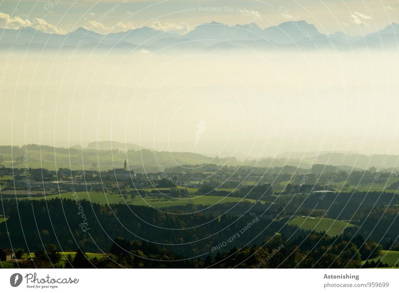 Nebel im Alpenvorland Umwelt Natur Landschaft Pflanze Luft Himmel Wolken Horizont Herbst Wetter Baum Wiese Feld Wald Hügel Berge u. Gebirge Gipfel Dorf Haus