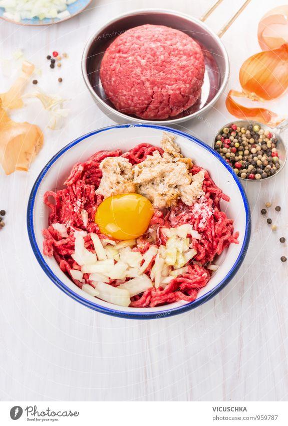 Zutaten für Fleisch Frikadellen auf weißem Holz Hintergrund Gesunde Ernährung Stil Lebensmittel Design Kräuter & Gewürze Gemüse Bioprodukte Geschirr Restaurant