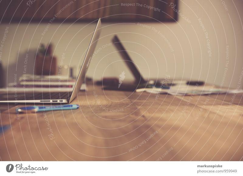 neourban hipster office 3.0 Lifestyle elegant Stil Design Innenarchitektur Tisch Arbeit & Erwerbstätigkeit Büroarbeit Designer Grafik u. Illustration Computer