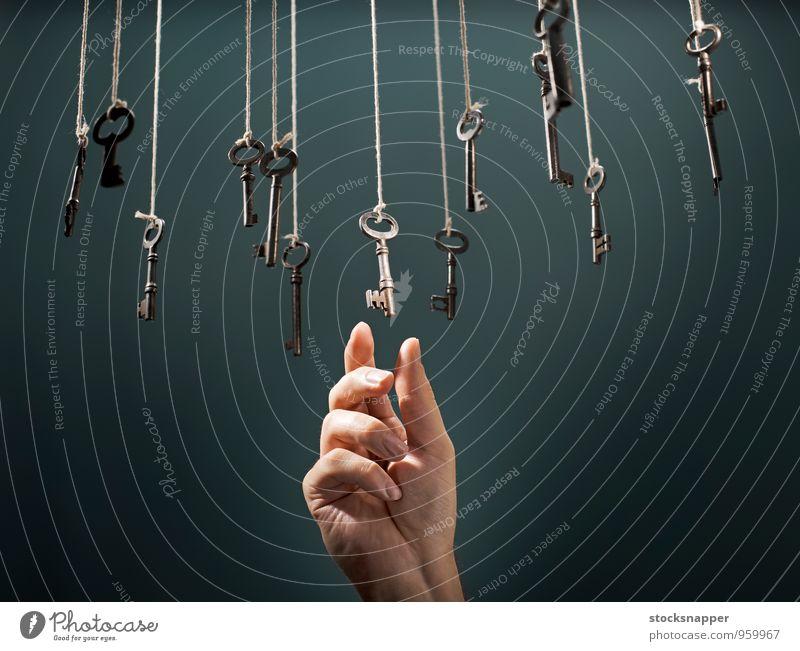 alt Hand Finger einzigartig Schnur Konzepte & Themen hängen Schlüssel Entwurf wählen alternativ Objektfotografie Beschluss u. Urteil Intuition Präferenz