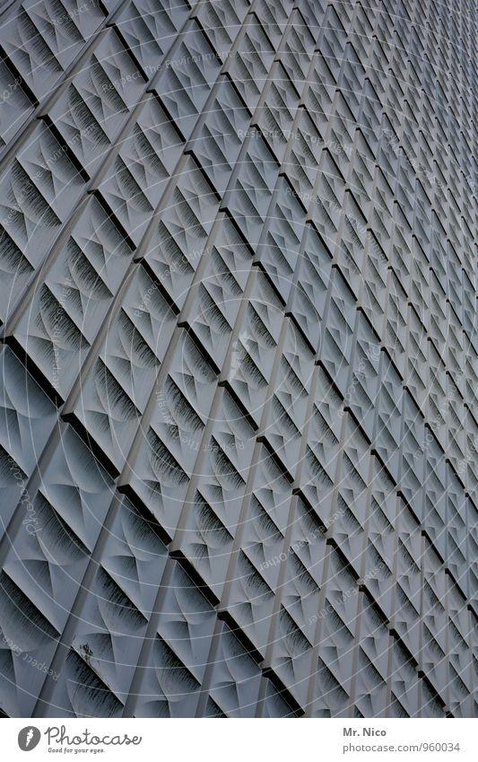 versammlung Hochhaus Bauwerk Gebäude Architektur Fassade grau Perspektive Unendlichkeit kalt Kunststoff Siebziger Jahre Wabe Linie Oberfläche